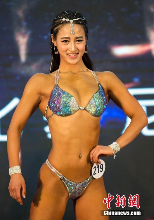 江苏省健美健身锦标赛落幕 金刚芭比秀形体