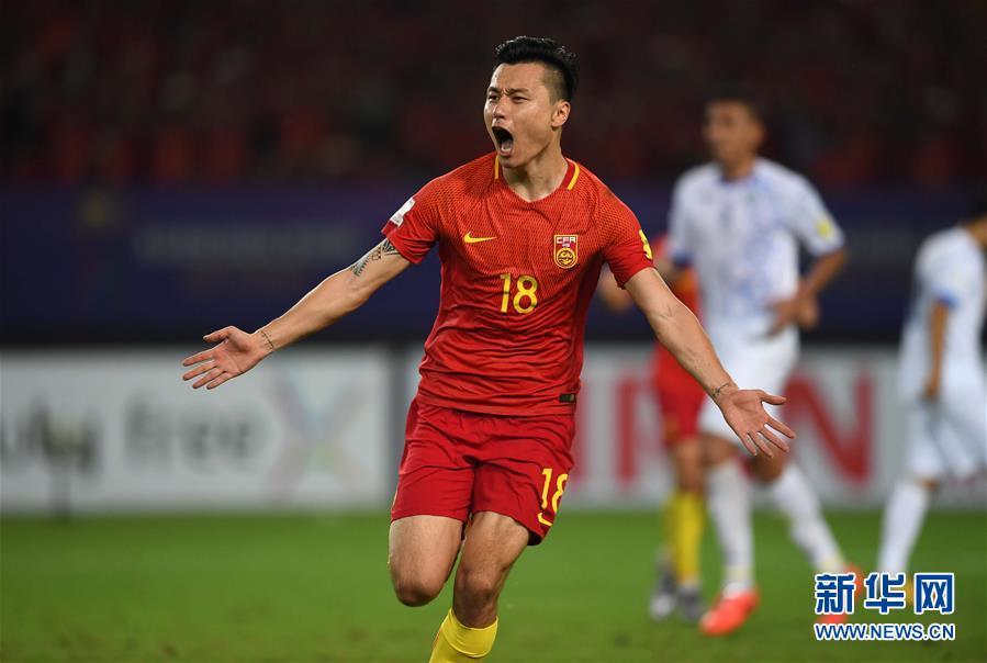 足球——世预赛:中国胜乌兹别克斯坦