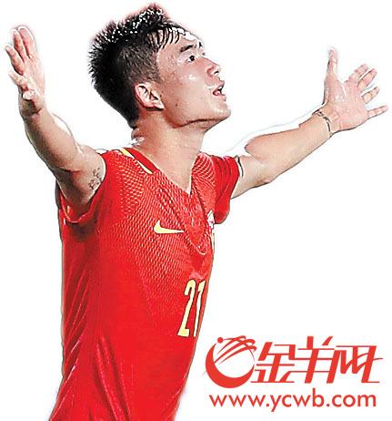 邓涵文是今年国足最亮眼的新人之一