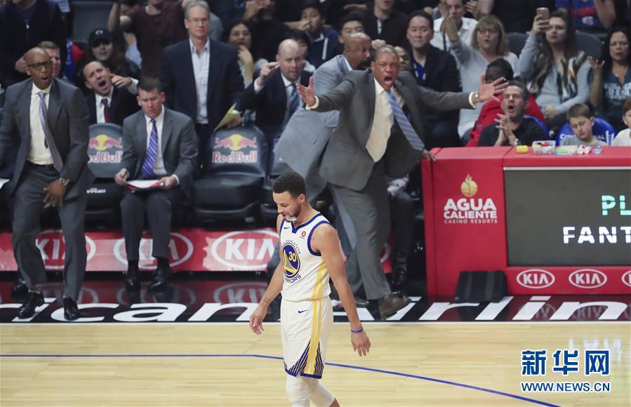 (体育)(9)篮球——NBA常规赛:勇士胜快船