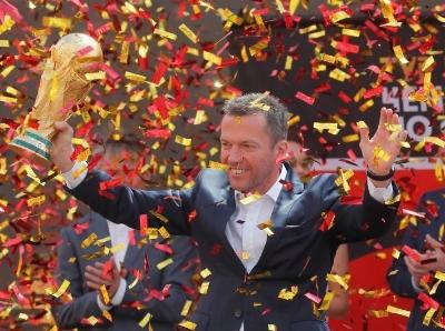 2018俄罗斯世界杯 大力神杯全球巡回抵达终点莫斯科