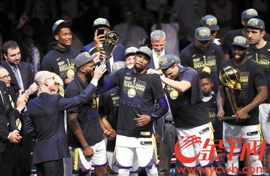 NBA总决赛勇士4:0横扫骑士卫冕 王朝无可撼动