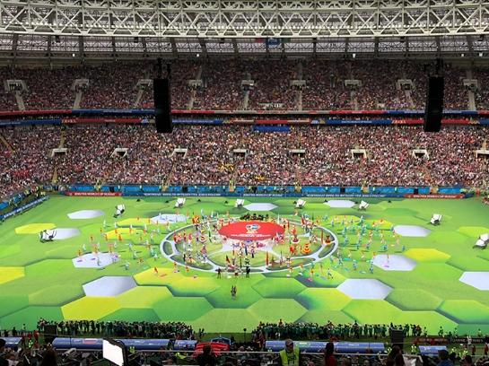 俄罗斯世界杯开幕式拉开帷幕 罗纳尔多亮相