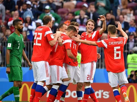 世界杯揭幕战打响 东道主俄罗斯5-0大胜沙特阿拉伯