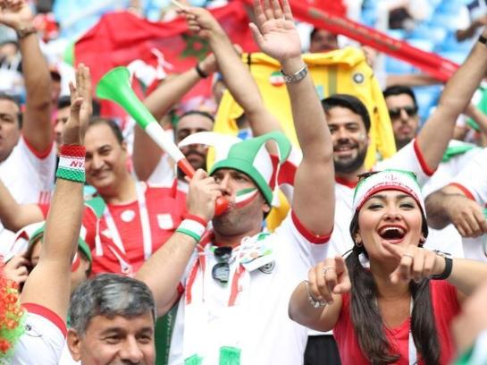 球迷助阵世界杯赛