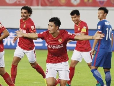 中超第14轮广州恒大淘宝5-0大胜重庆斯威