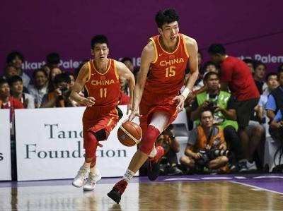 亚运男篮小组赛中国82-80险胜菲律宾 周琦爆砍25分12板7帽