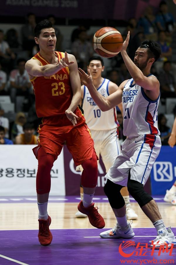 金羊网特派记者周巍摄影报道:2018年8月30日,亚运男篮半决赛,中国队86-63中国台北队挺进决赛。