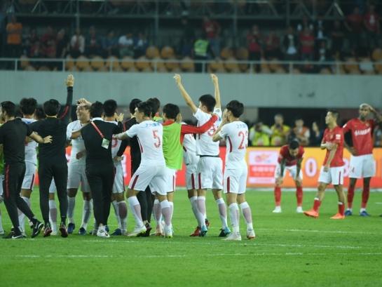 中超联赛焦点战 恒大4-5憾负上港