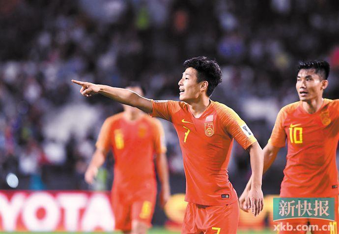 亚洲杯|两脚世界波 武磊助国足提前小组出线