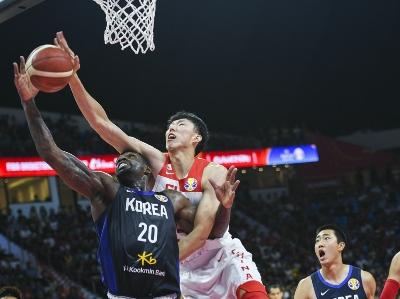 【篮球世界杯】中国队在排位赛首战以77比73险胜韩国队