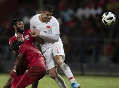 艾克森首秀双响 国足世预赛首战5球大胜马尔代夫