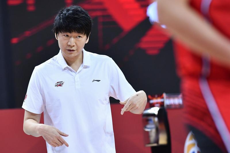 深圳队败给新疆队,进入季后赛希望渺茫
