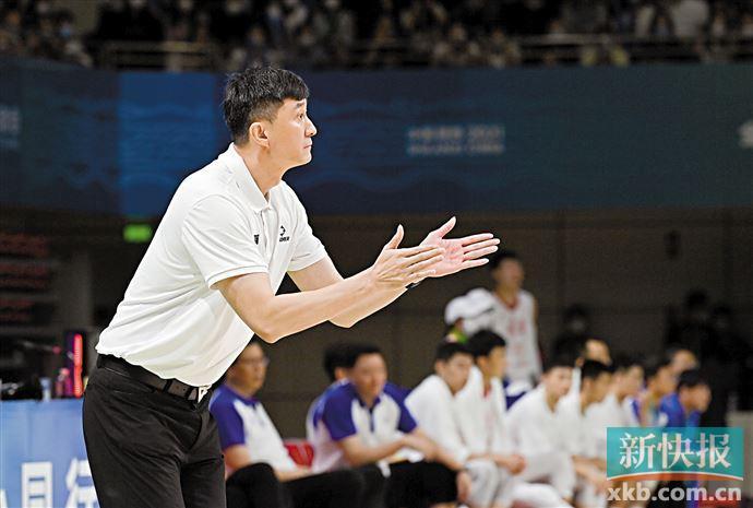 阿联回归广东宏远剑指新赛季 全队后天出发前往诸暨